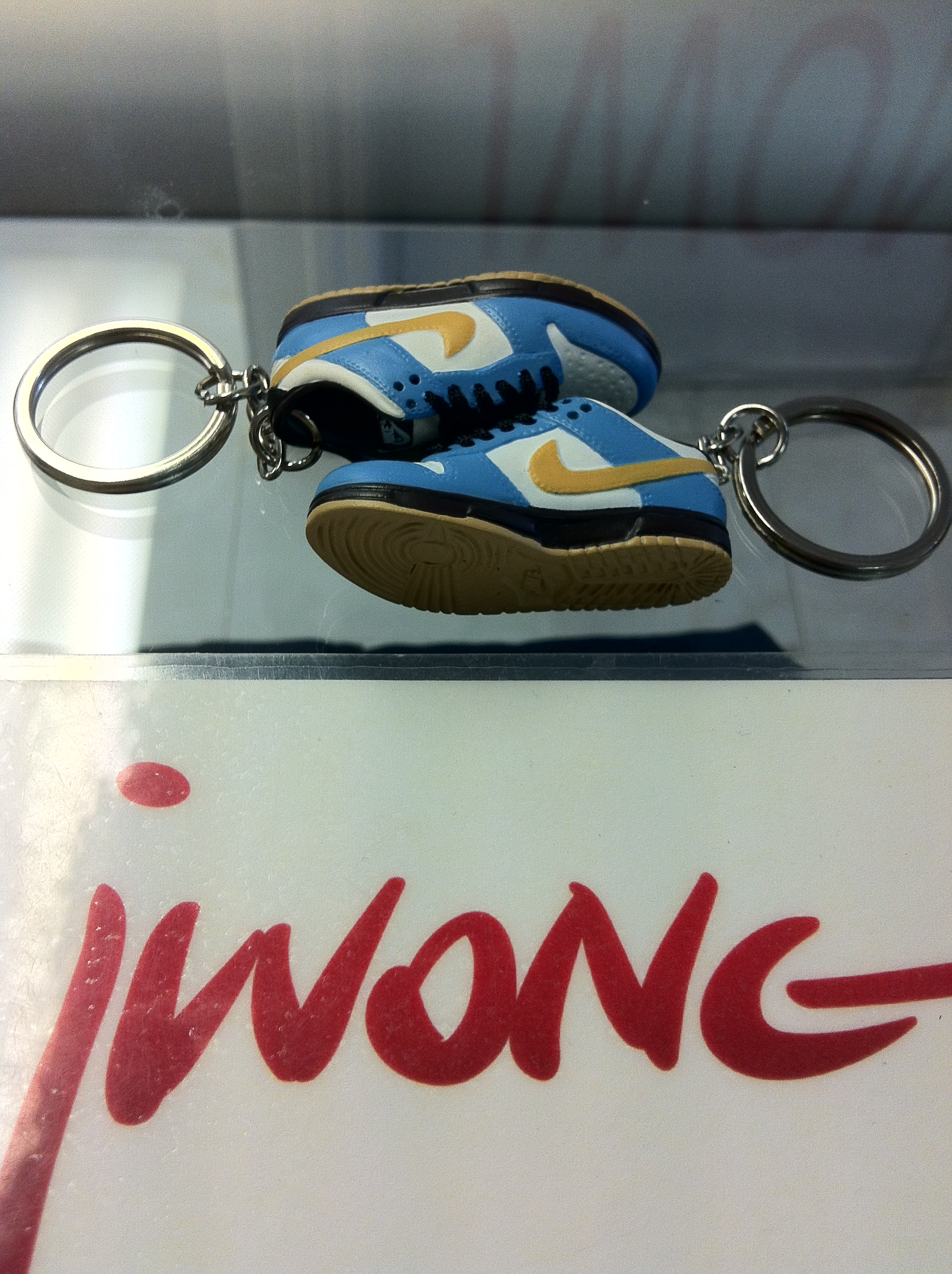 online store 45369 5d94f 2004 Nike Dunk Sb Low Homer Keychain