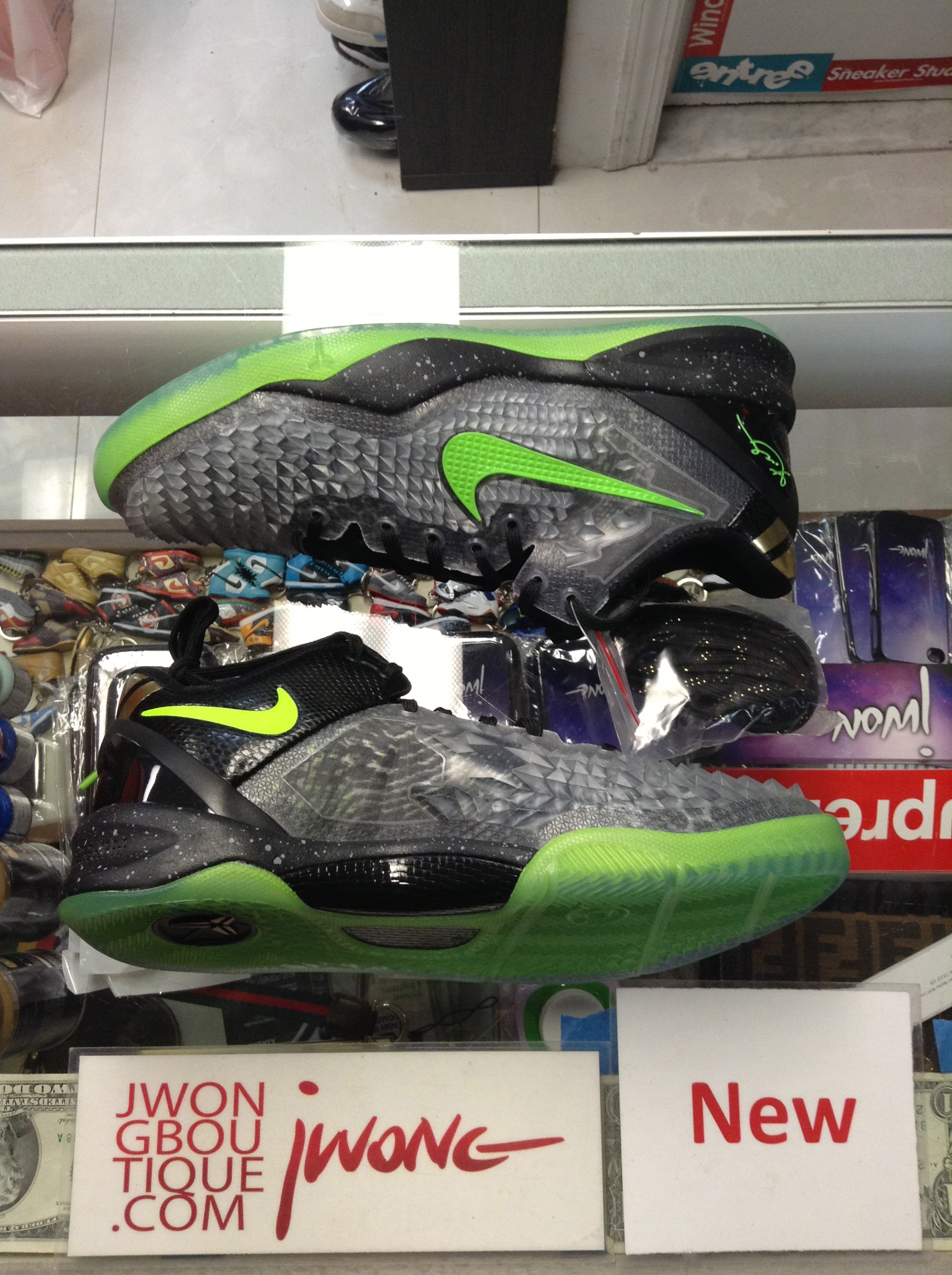 2013 Nike Kobe 8 VIII System SS Christmas Youth | Jwong Boutique