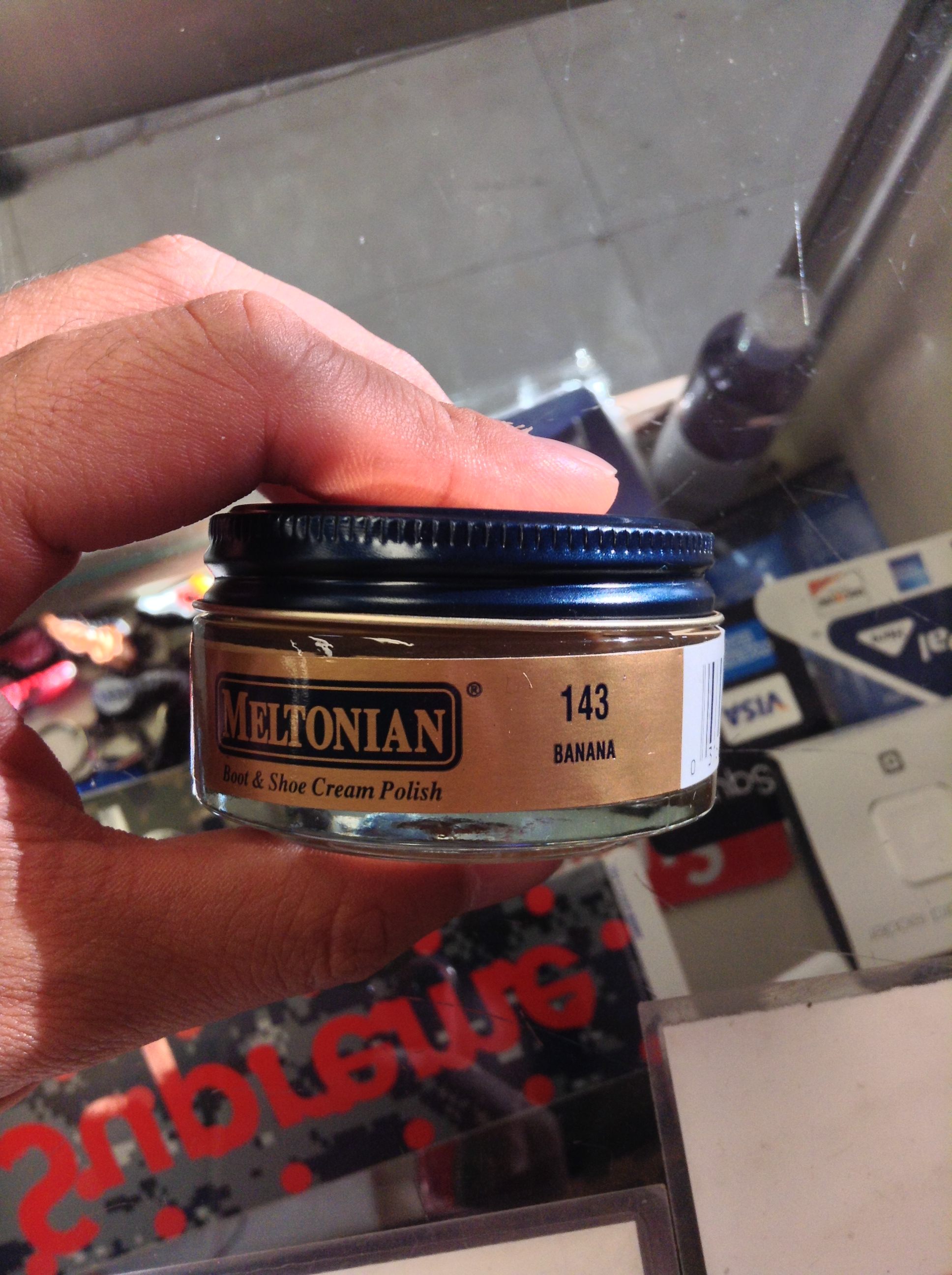banana shoe polish With the study of making a shoe polish out of banana peelings no shoe polisher no problem, as long as you have a banana that's right, you can go polish your.